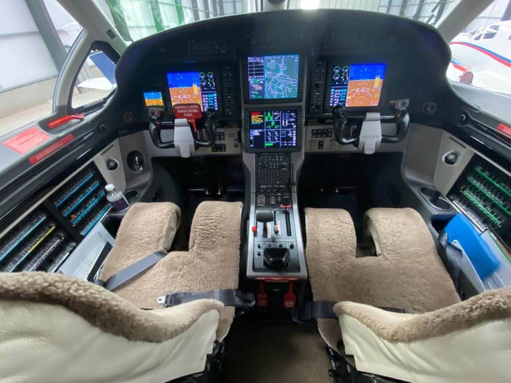 MAKN Cockpit